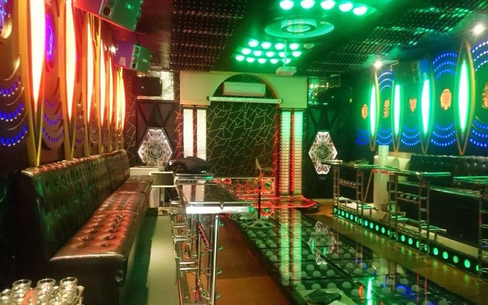 Phòng karaoke phong cách hoàng gia